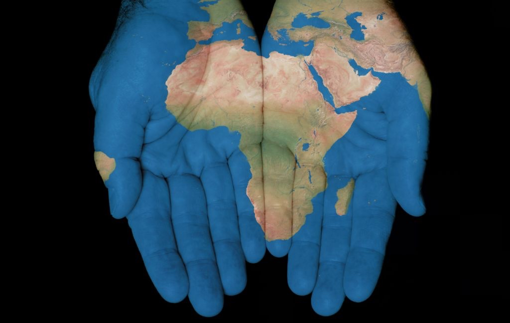 mundo manos